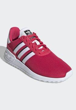 adidas Originals - LA TRAINER LITE SHOES - Zapatillas - pink