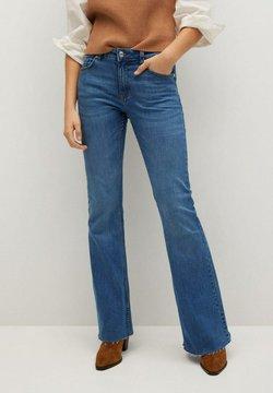 Mango - FLARE - Flared Jeans - middenblauw