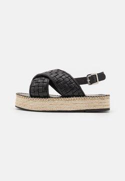YAS - Korkeakorkoiset sandaalit - black