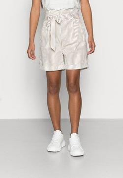Vero Moda Petite - VMEVA PAPERBAG COT - Shorts - snow white/silver mink