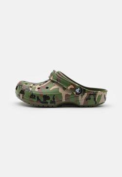 Crocs - CLASSIC UNISEX - Matalakantaiset pistokkaat - army green/multicolor