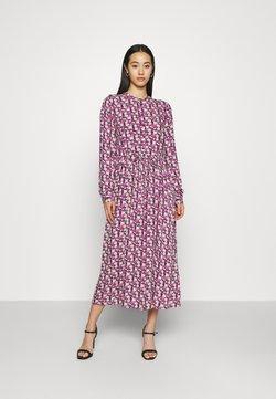 Moves - TANISA DRESS - Freizeitkleid - fuchsia purple