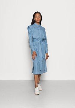 Selected Femme - SLFTIME DRESS  - Kjole - medium blue denim