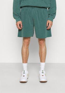 BDG Urban Outfitters - JOGGER UNISEX - Shorts - deep grass green
