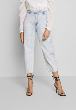 Missguided - HIGHWAISTED SLOUCH JEAN  - Relaxed fit jeans - blue bleach