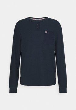Tommy Jeans - POCKET HENLEY - Pitkähihainen paita - twilight navy