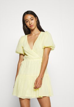 Nly by Nelly - PUFF DOBBY DRESS - Kjole - light yellow