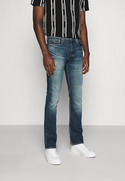 Calvin Klein Jeans - SLIM BOOT - Jeans Bootcut - denim light