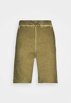 Han Kjøbenhavn - Shorts - green crush