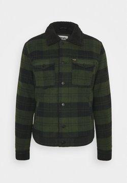 Wrangler - SHERPA JACKET - Light jacket - rifle green
