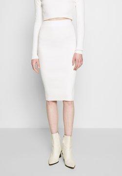 Glamorous - Kynähame - off white