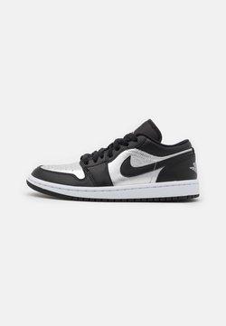 Jordan - AIR 1 SE - Sneakersy niskie - black/metallic silver/white