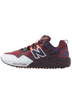New Balance - FRESH FOAM CRAG - Zapatillas de trail running - red