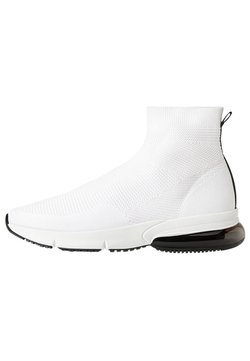 Bershka - MIT ELASTISCHEM SCHAFT  - Sneaker high - white