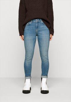 Pieces Petite - PCDELLY - Jeans Skinny Fit - light blue denim