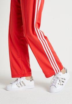 adidas Originals - SUPERSTAR - Matalavartiset tennarit - footwear white/silver metallic