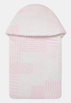 Versace - OUTDOOR NEST SIGNATURE PATCHWORK - Śpiworek - white/baby pink