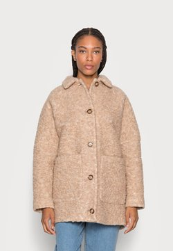 Marc O'Polo - CURLY OVERSIZED WIDE SLEEVES PATCHED POCKETS TURN - Winterjacke - soft caramel