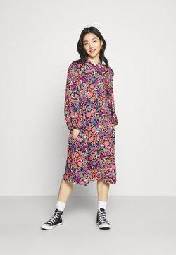 YAS - YASALIRA DRESS - Vapaa-ajan mekko - alira