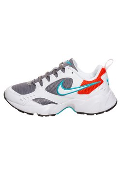 Nike Sportswear - AIR HEIGHTS - Sneaker low - white