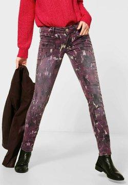 Street One - MIT BATIK-OPTIK - Jeans Slim Fit - rot