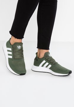 adidas Originals - SWIFT RUN - Sneaker low - base green/footwear white/core black