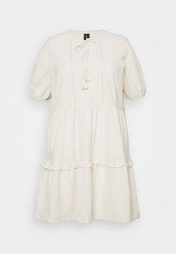 Vero Moda Curve - VMIBIA SHORT DRESS - Freizeitkleid - birch
