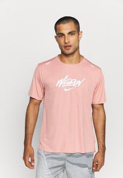 Nike Performance - RISE 365 - T-Shirt print - rust pink