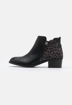 XTI - Korte laarzen - black