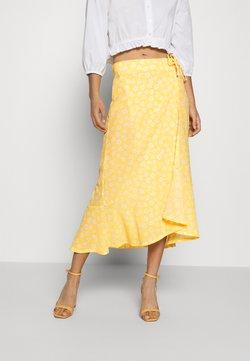 Monki - LANE SKIRT - Falda larga - yellow