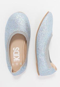 Cotton On - KIDS PRIMO - Klassischer  Ballerina - pale blue glitter