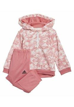 adidas Performance - BADGE OF SPORT ALLOVER PRINT JOGGER SET - Verryttelypuku - pink