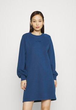 Levi's® - FRANNIE DRESS - Vapaa-ajan mekko - navy peony