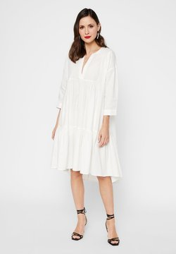 YAS - GESMOKTES KLEID HIGH-LOW SAUM - Korte jurk - star white
