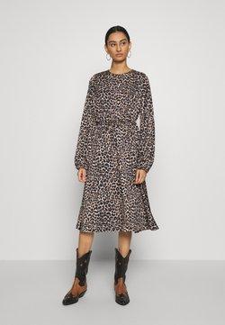 Cras - LANI DRESS - Day dress - brown