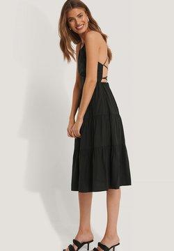 NA-KD - Cocktailkleid/festliches Kleid - black