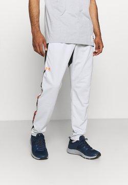 Under Armour - FASHION TRACK PANT - Jogginghose - grey
