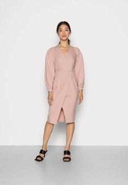 Closet - CLOSET PLEATED SLEEVE - Jerseyklänning - blush