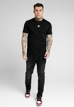 SIKSILK - Vaqueros slim fit - washed black