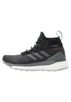 adidas Performance - TERREX FREE HIKER GORE-TEX - Hikingschuh - carbon/grey/glow blue