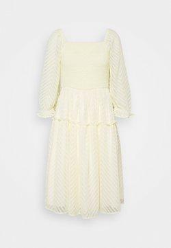 YAS - YASDEANNA 3/4 DRESS - Vestido de cóctel - yellow
