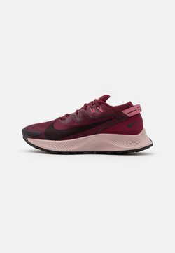 Nike Performance - PEGASUS TRAIL 2 - Löparskor terräng - dark beetroot/black/desert berry
