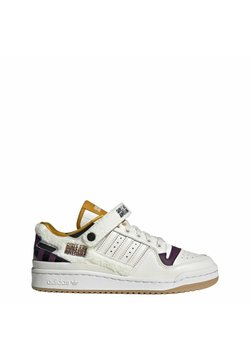 adidas Originals - FORUM GIRLS ARE AWESOME ORIGINALS SHOES - Trainers - chalk white/core black/purple beauty