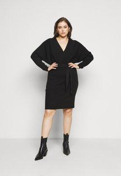Vero Moda Curve - VMREM DRESS CURVE - Strickkleid - black