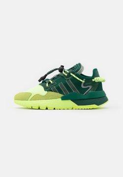 adidas Originals - IVY PARK NITEJOGGER - Sneakers laag - dark green/hi-res yellow