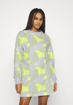 Nike Sportswear - DRESS - Vestido ligero - barely green