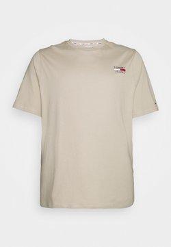 Tommy Jeans Plus - CHEST LOGO TEE - T-shirt basique - soft beige