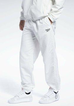 Reebok Classic - CLASSIC SEASONAL CASUAL - Jogginghose - white