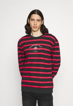 Newport Bay Sailing Club - BOLD HORIZONTAL STRIPE - Sweatshirt - red