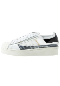 adidas Originals - SUPERSTAR BOLD - Sneakers laag - footwear white/offwhite/core black